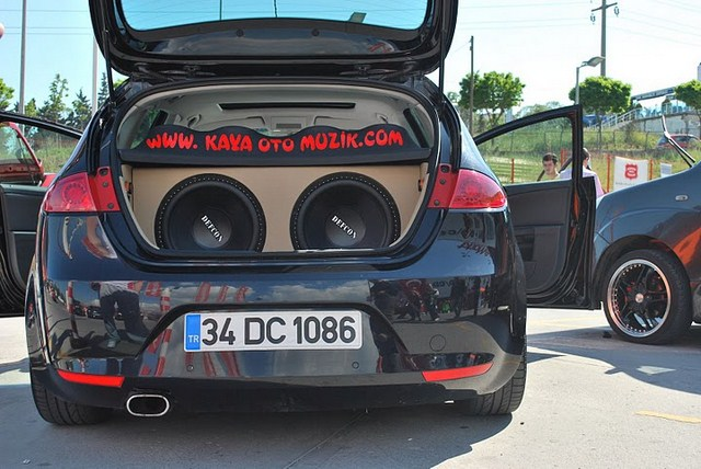 Seat Leon Oto Müzik Ses Sistemleri